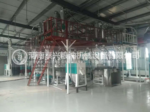 河南濮阳7组石磨面粉机安装案例